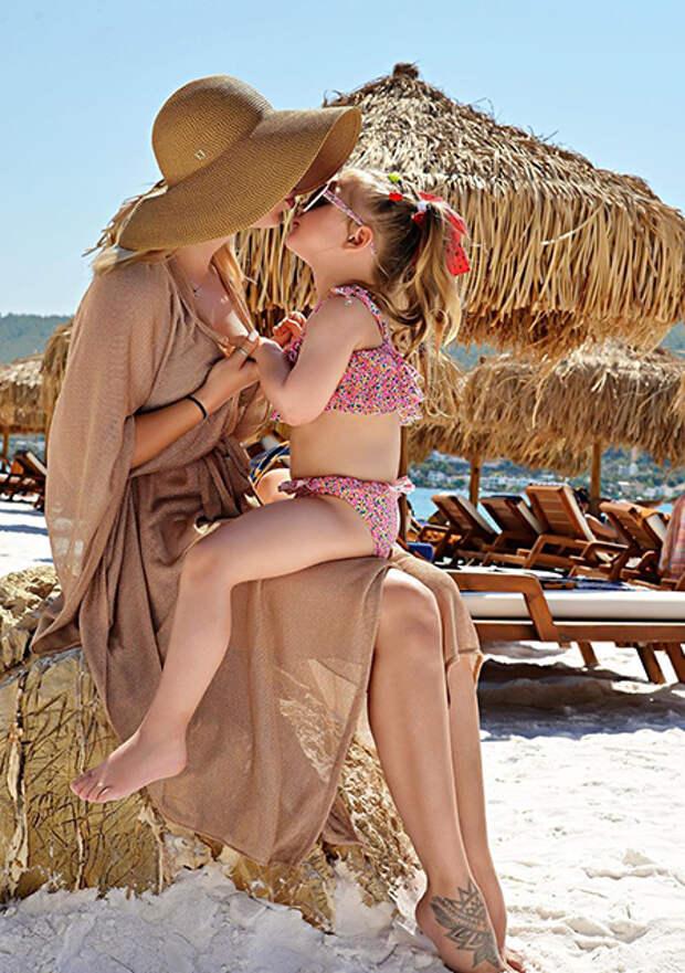 Пелагея с дочкой Таисией