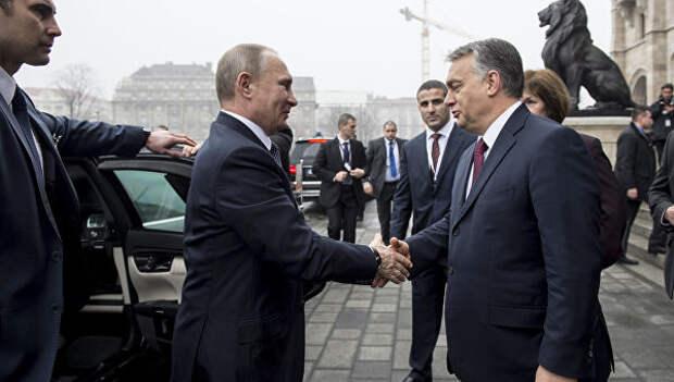 Президент РФ Владимир Путин и премьер-министр Венгрии Виктор Орбан во время встречи в Будапеште. 2 февраля 2017