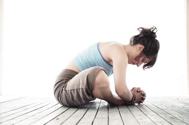 поза бабочка йога