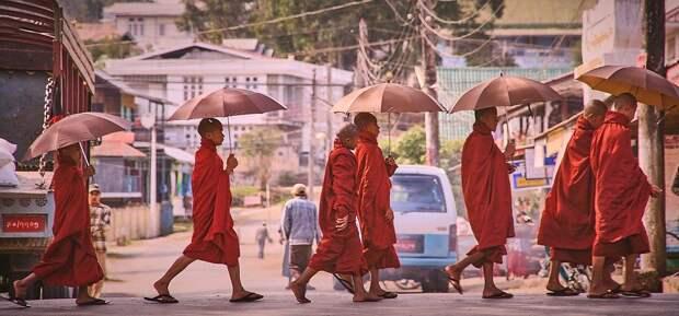 Военные в Мьянме отстранили от власти гражданское руководство страны