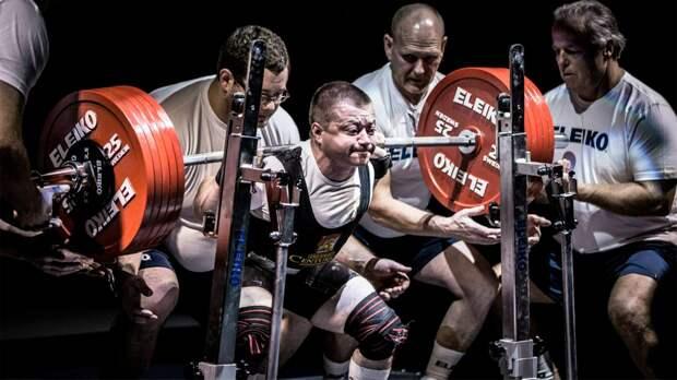 Сильнейший пауэрлифтер России весит меньше 60кг. Сергей Федосиенко непроиграл ниодного старта закарьеру