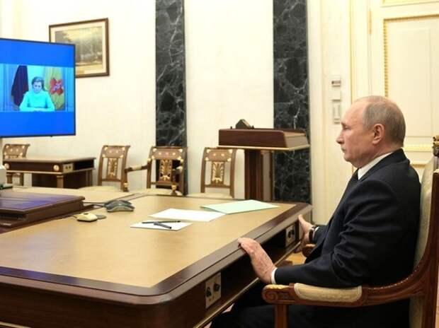 Путин сделал нерабочими дни в мае за счет работодателей