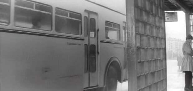 Средняя дверь: СССР, авто, автобус, кино, москва, общественный транспорт, троллейбус