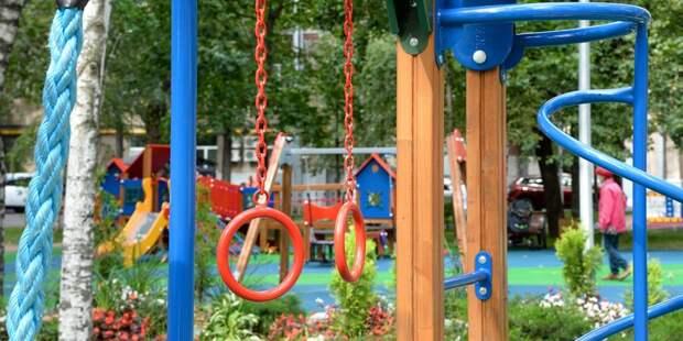 Часто ли вы сталкиваетесь со сломанным оборудованием на детских площадках в Отрадном? – новый опрос жителей района