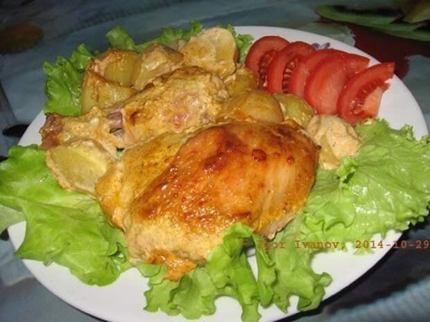Вкусная курочка в маринаде вместе с картошкой в духовке