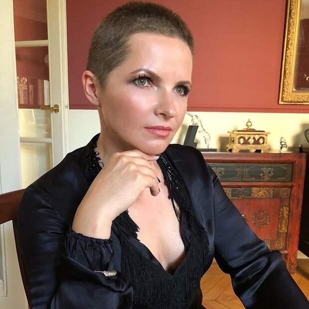 Бывшая жена Пескова побрилась налысо — долой накопившийся негатив и золотые локоны