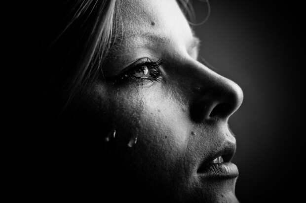 …На Пашиных похоронах Пашина мама сказала Маше крамольное:«Ты кто такая?»