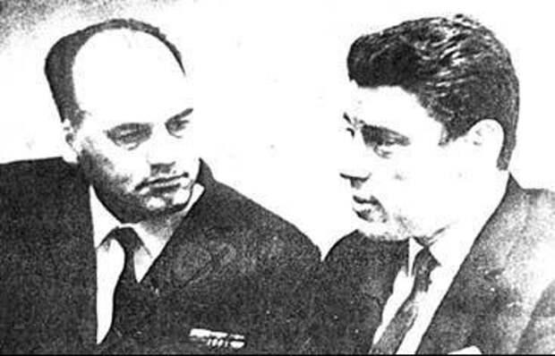 Советский разведчик Александр Козлов и актер Михаил Волков сыгравший роль капитана Крылова