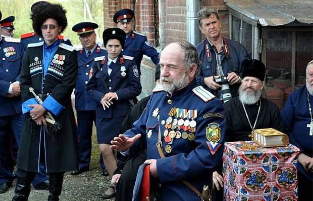 Сколько медалей и орденов было у реальных казаков. Сравнил архивные фото с современными