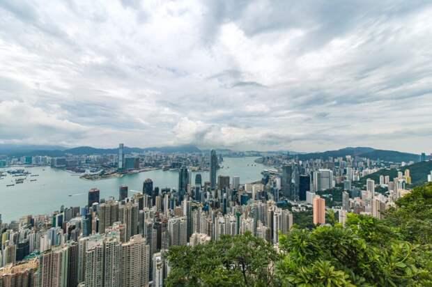 Власти Гонконга дадут по 645 долларов каждому жителю, чтобы перезапустить экономику