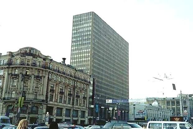 Вид на гостиницу «Интурист», 1990-е годы. /Фото: proexpedition.ru