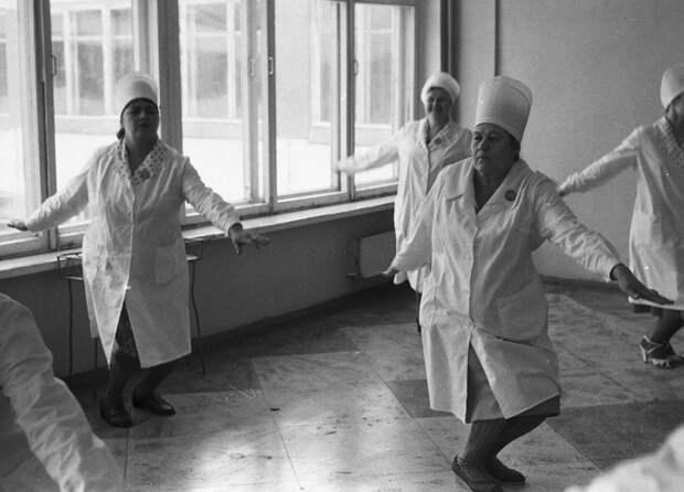 Как людей унижали в советских поликлиниках.