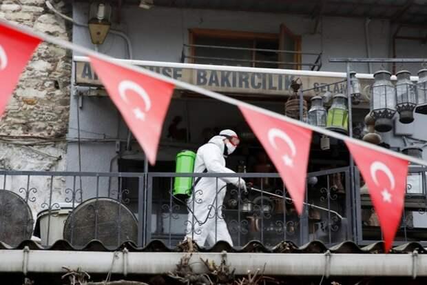 В Турции снова ввели комендантский час из-за пандемии