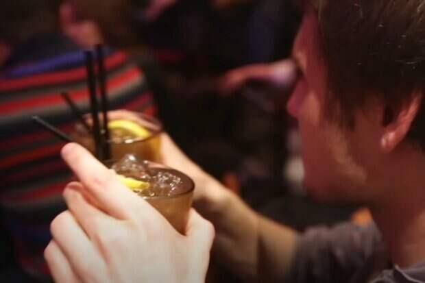 Названы алкогольные напитки, которые быстро вызывают зависимость