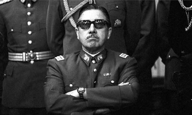 Казни на стадионе и Караван смерти: как пришел к власти Пиночет