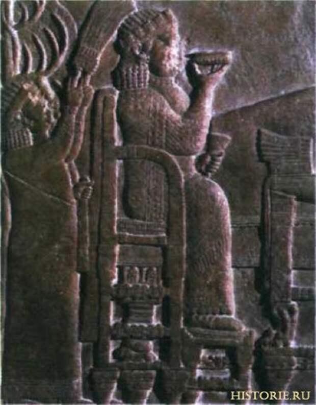 Ассирийская царица. Деталь барельефа дворца Ашшурбанипала в Ниневии. Около 645 г, до н. э.