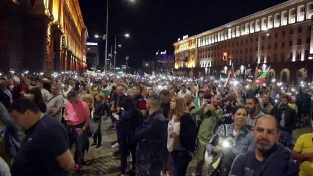 Массовая антиправительственная акция проходит в центре Софии