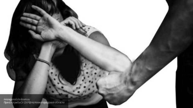 """Неизвестный """"Фарух"""" изнасиловал женщину в туалете продуктового магазина в Петербурге"""