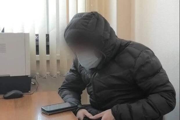 Телефонный аферист обманул россиянку прямо на глазах полицейских