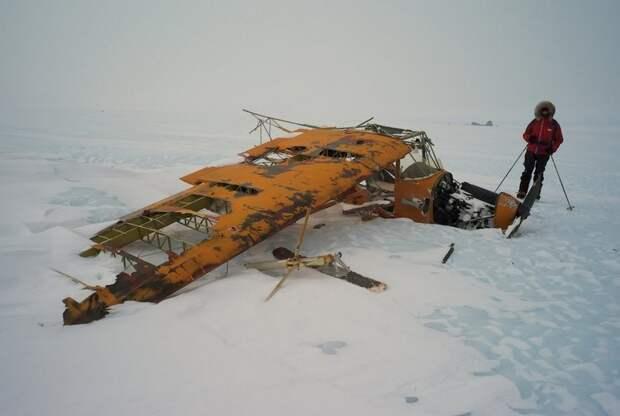 На Земле Королевы Мод в Антарктиде обнаружен звездолет инопланетян