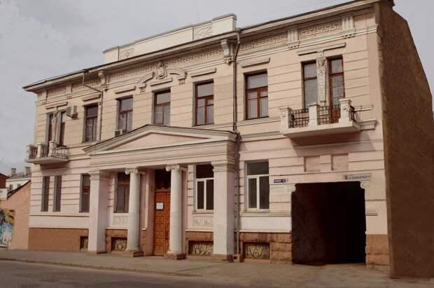 Прокуратура проверит, как устраняют нарушения после реконструкции Центра народного творчества в Симферополе