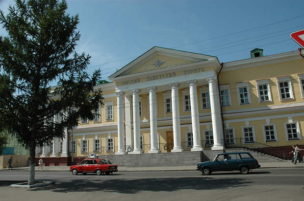 Здание Омского кадетского корпуса, который окончил Дмитрий Карбышев