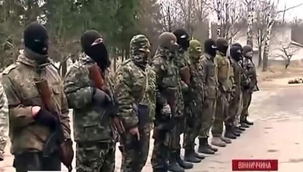 """Украинская армия приняла в свои ряды неонацистов из """"Правого сектора"""""""