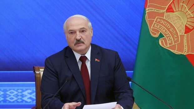 Лукашенко: в Польше разворачивают корпуса иностранных войск у границы с Белоруссией