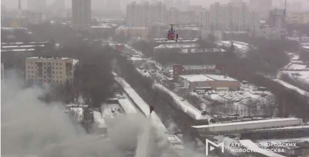 Более сотни пожарных боролись с огнём в Походном проезде