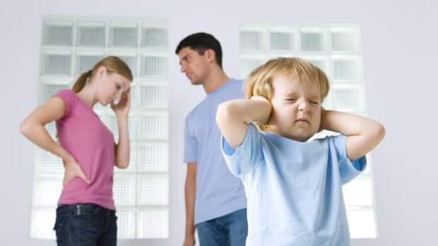 8 вещей, которые нельзя видеть и слышать детям
