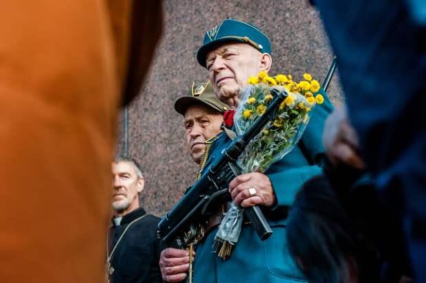 Военный прокурор хочет разрешить украинцам иметь оружие. От кого защищаться?