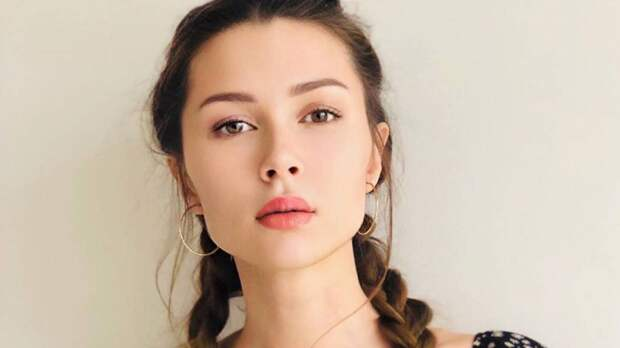 Анна Заворотнюк назвала стабильным состояние борющейся с раком матери
