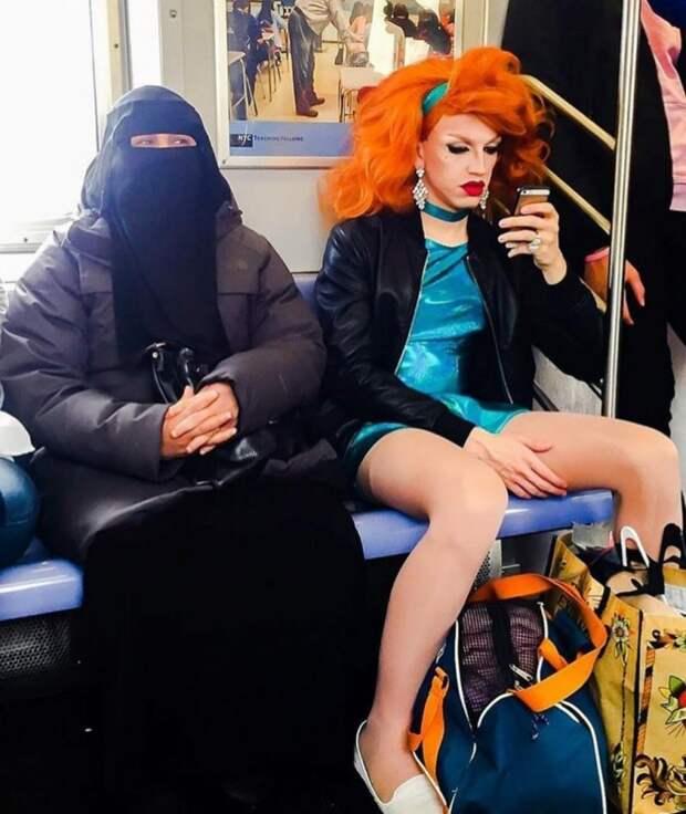 Метро Нью-Йорка порадует яркими контрастами автобус, люди, метро, общественный транспорт, работа, электричка