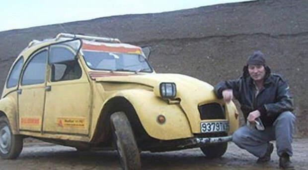 Машина электрика отказала посреди Сахары, и за 12 дней он собрал из нее средство своего спасения