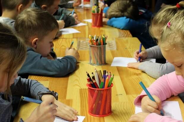 Школа на Сельскохазяйственной открыла  запись на развивающие курсы для дошкольников
