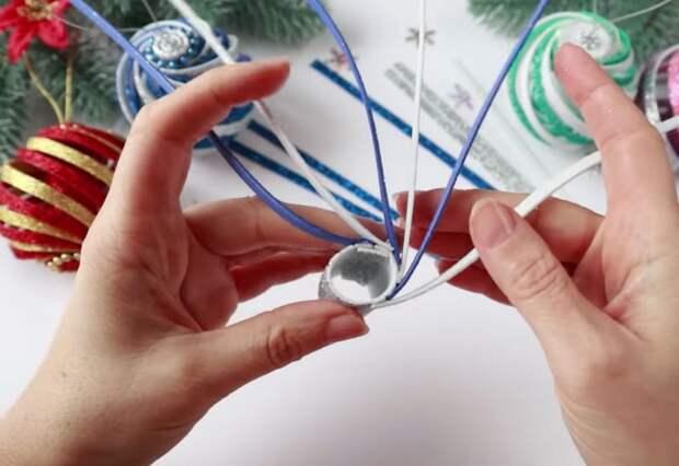 Изумительная игрушка-спиралька на ёлку за 5 минут