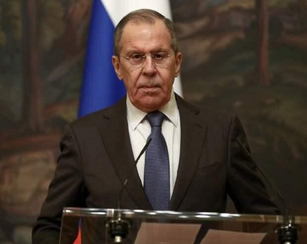 Лавров: Выездные визы для россиян вводить не планируется
