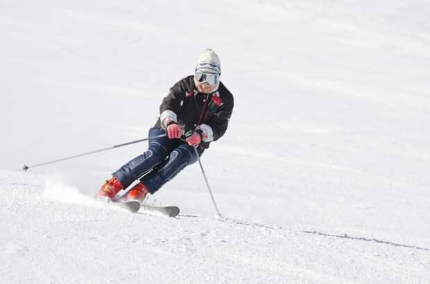 Гора Белая зима, курорт, лыжи, отдых