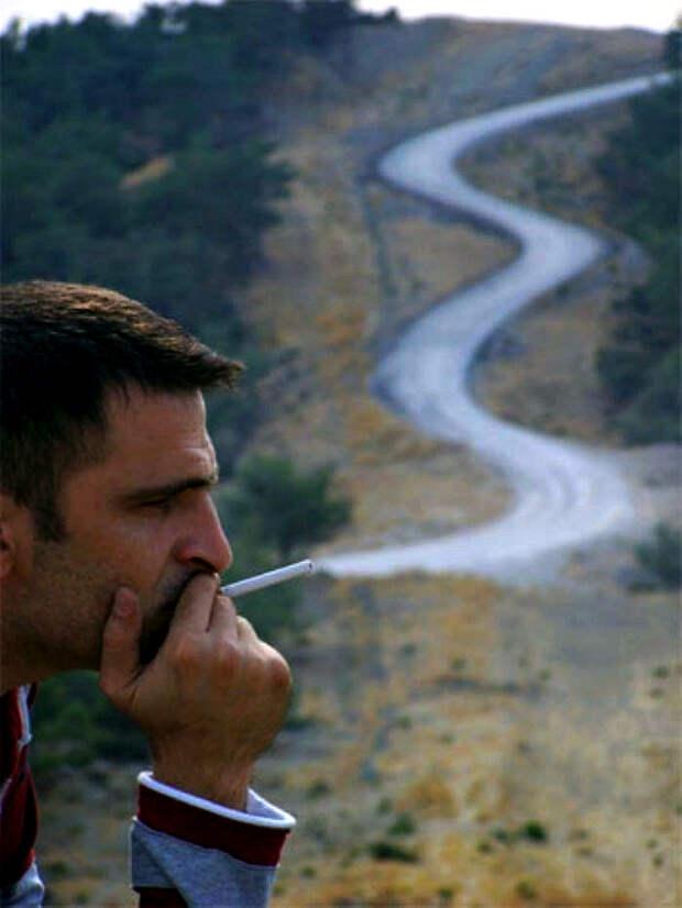 Заядлый курильщик.   Фото: Sabah.