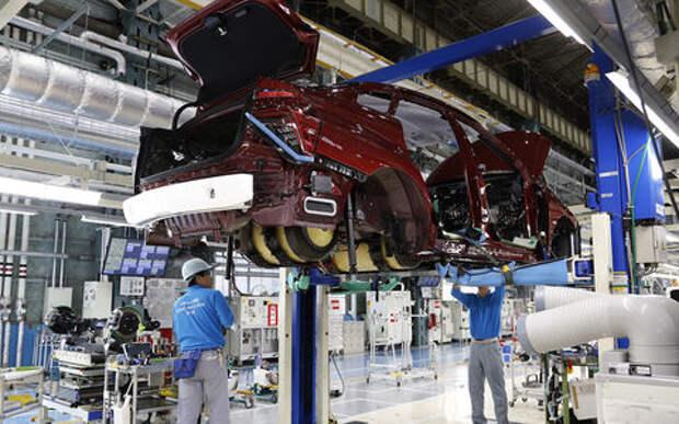 Ливни остановили заводы Toyota