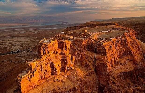 Как римляне смогли взять израильскую крепость Масада высотой 450 метров, которая считалась неприступ