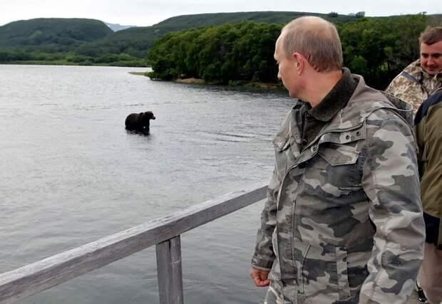 Президент РФ в заповеднике Южной Камчатки, 24 августа 2010 года.