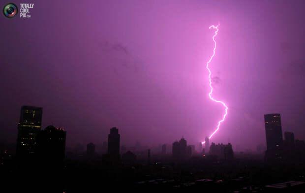 11152 Фото молний из разных уголков мира