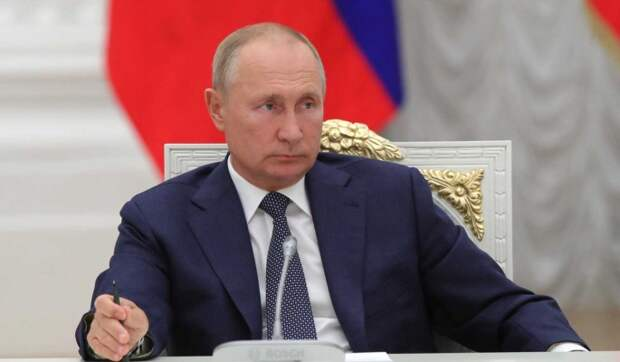 """""""Оторопь берет"""": Путин о жестких ограничительных мерах по отношению к ТВ и соцсетям"""
