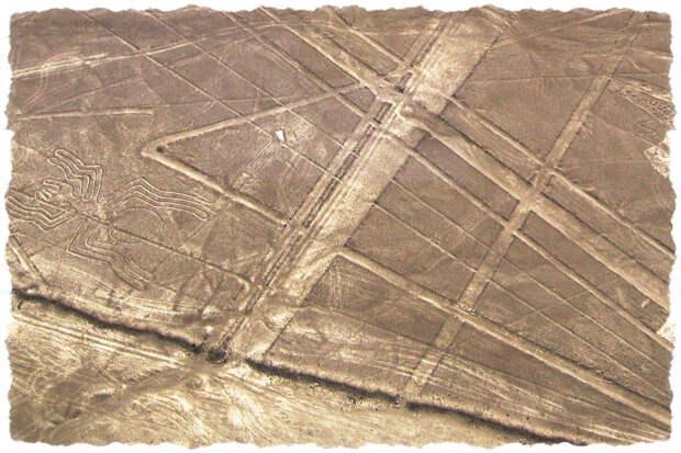 Плато в пустыне Наска. Взлётно-посадочные полосы?