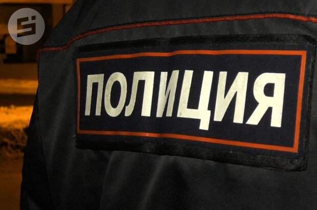 Житель Удмуртии с ножом накинулся на полицейского