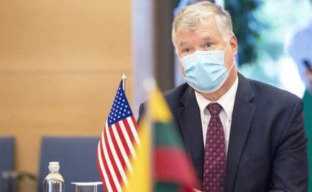 На фото: первый заместитель госсекретаря США Стивен Бигэн