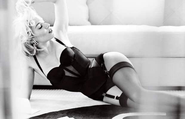 Актриса Сиенна Миллер во всей своей красе.