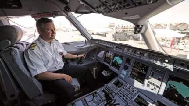 Почему вход в самолет всегда с левой стороны (+видео)