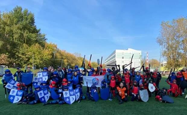 Подростки из Митина показали класс в сражении на мечах
